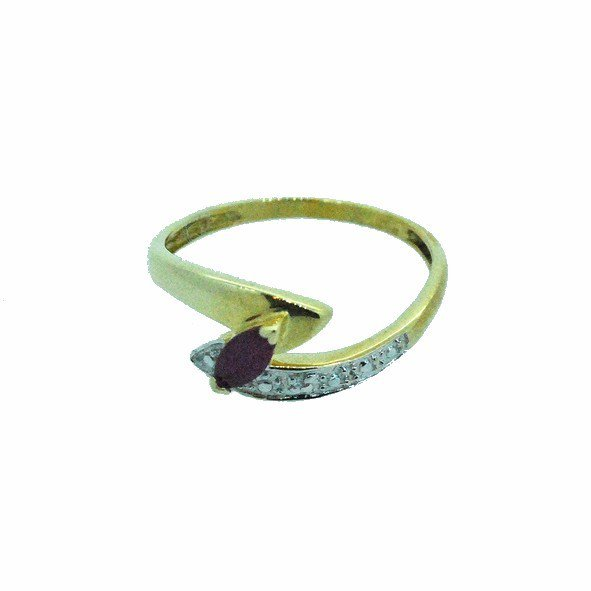 bague rubis or jaune 750/1000  2.10gr